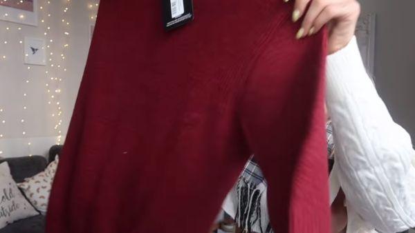 ユーチューバー乳首ポロリ エロ画像016