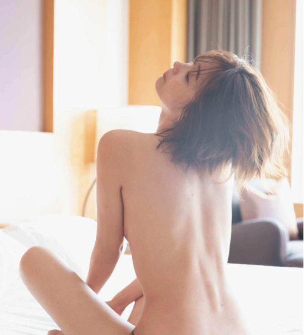 山崎真実 透け乳首エロ画像020