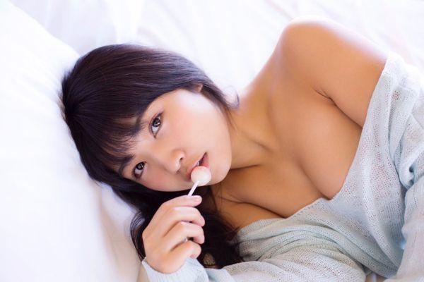永井里菜 エロ画像009