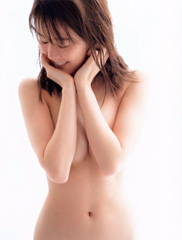 生田絵梨花 肘ブラヌード解禁!乃木坂46はどれだけ脱げるか競ってるの?www【エロ画像32枚】