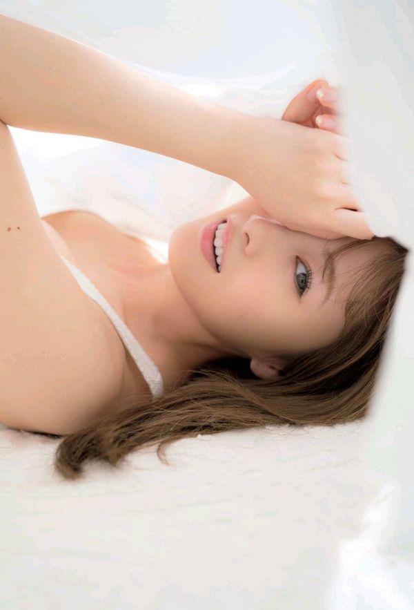 白石麻衣おっぱいエロ画像018