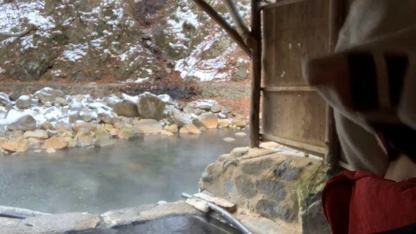 温泉Youtuber乳首ポロリエロ画像022
