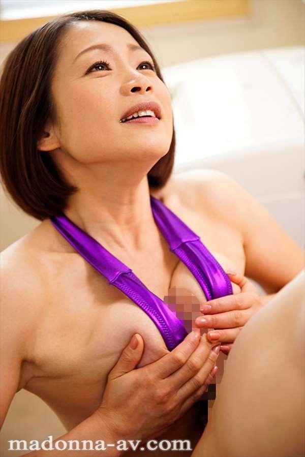 友田真希 画像094